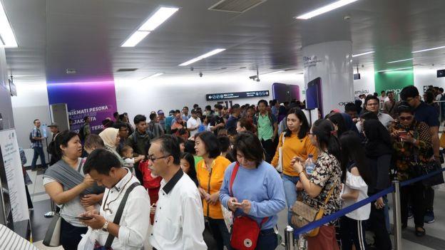 ジャカルタ鉄道の渋滞